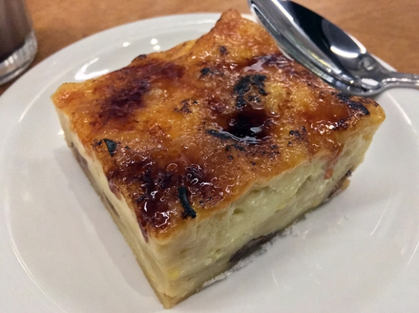 lokshen pudding crust at monty's deli
