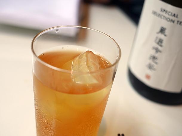 longan and mandarin coldbrew iced tea at xu london