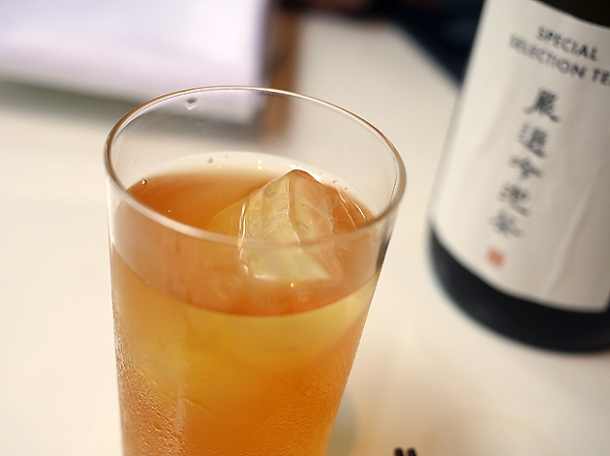 longan and mandarin coldbrew iced tea at xu london