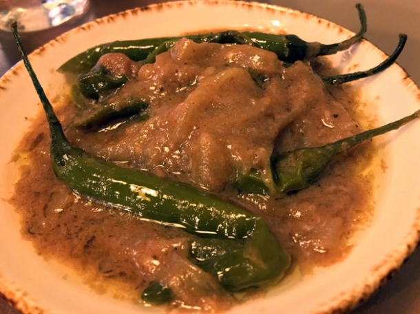 onion and chilli gravy at darjeeling express