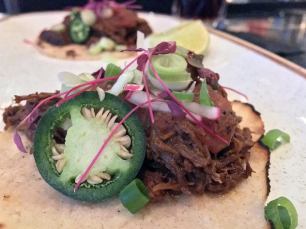 beef tacos at el muro