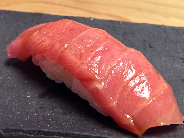 chutoro tuna sushi at yen the strand