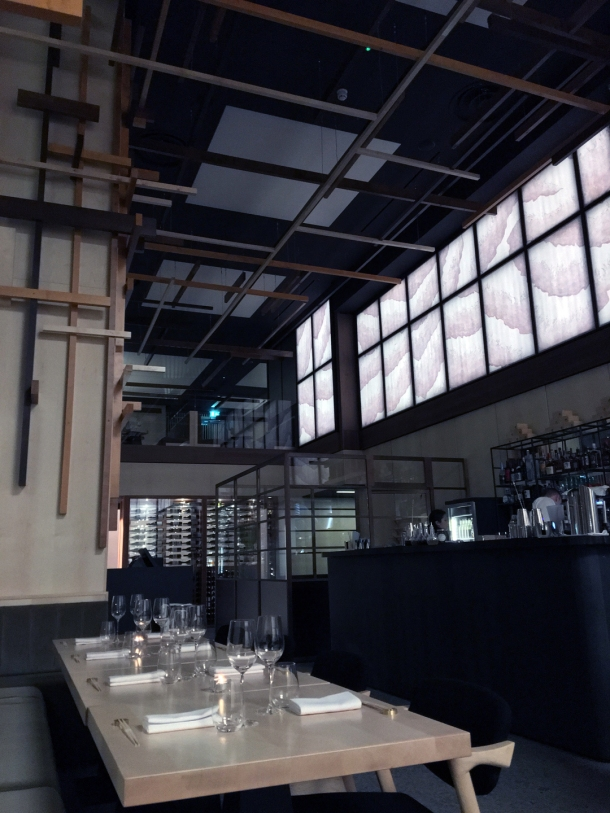 dining room at yen the strand