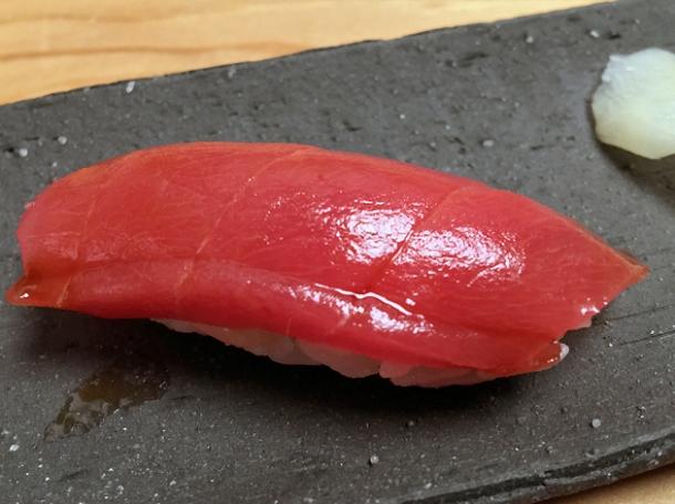 tuna nigiri sushi at yen on the strand
