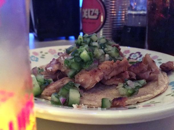 chicken tacos at tacos del 74 dalston