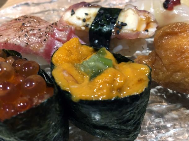sea urchin roll at sushi atelier