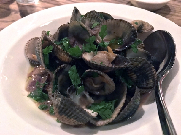 clams in liver sauce at brat