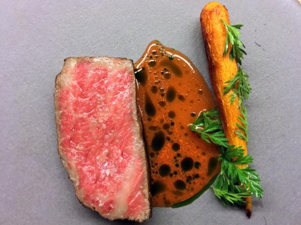 kobe beef and carrots at mãos