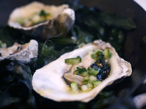 oysters with roasted seaweed in the shell at brat shoreditch