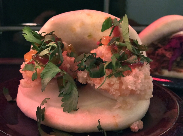prawn gua bao at daddy bao