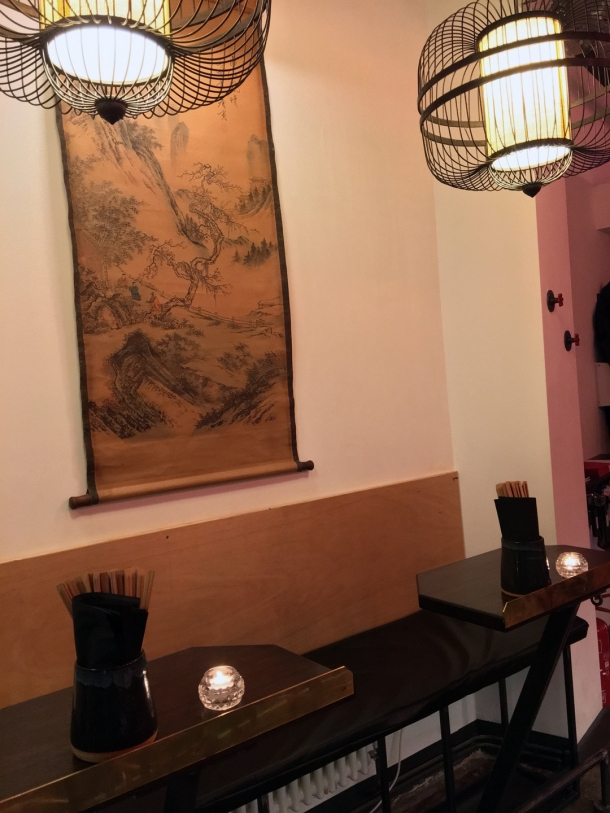 single seater tables at daddy bao