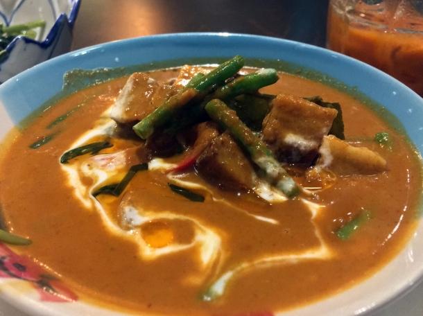 pork belly curry at kin et deum