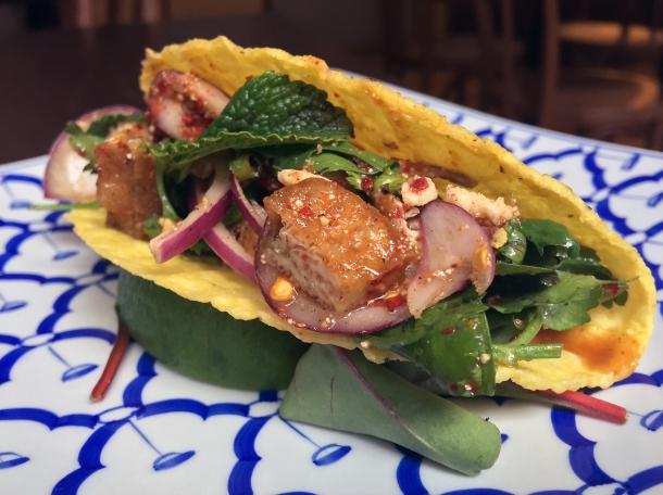 tofu taco at kin et deum