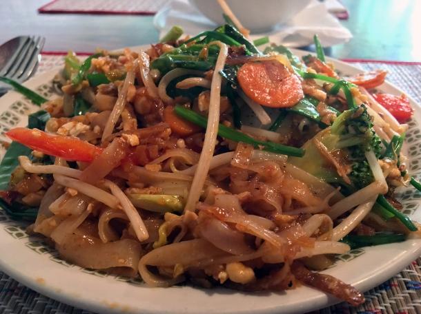 vegetable pad thai at singburi
