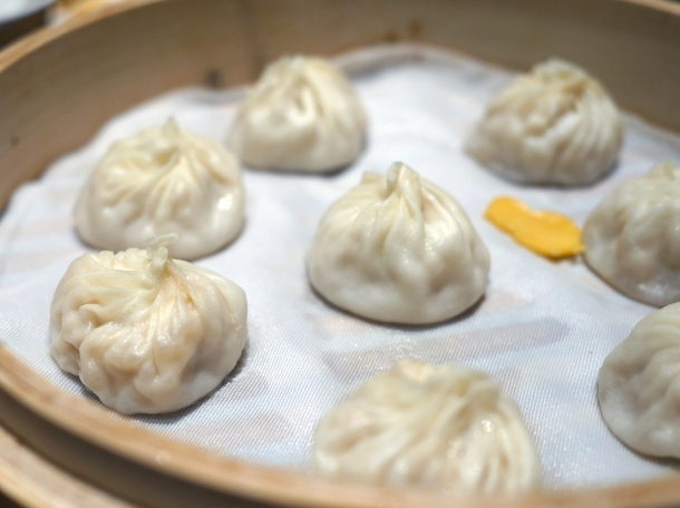 crab and pork xiaolongbao at din tai fung henrietta street