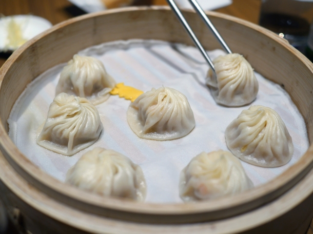 pork and crab xiaolongbao at din tai fung covent garden