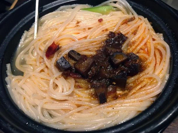 claypot rice noodles with vegetables, quail eggs, tofu and seitan at Murger Hanhan