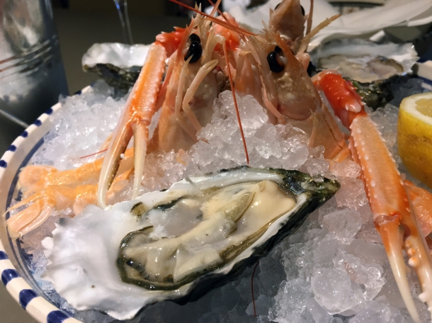 illustrative photo of the oysters and raw langoustines at Pescheria Assunta