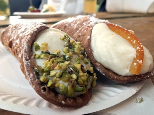 illustrative photo of the cannoli-from-Little-Sicily-at-Mercato-Metropolitano