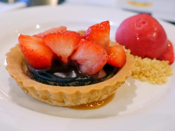 illustrative image of the strawberry and chocolate tart at Blacks Penzance