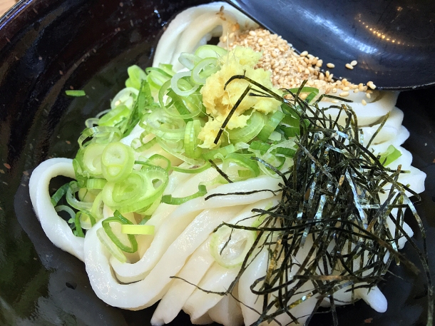 illustrative photo of the vegetable tempura cold udon at Koya City